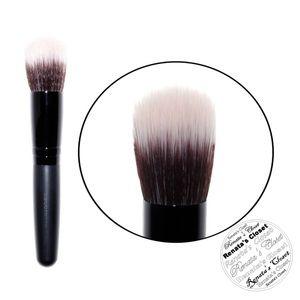 NIP Bareminerals Mini Smoothing Foundation Brush